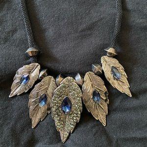 Elegant necklace.